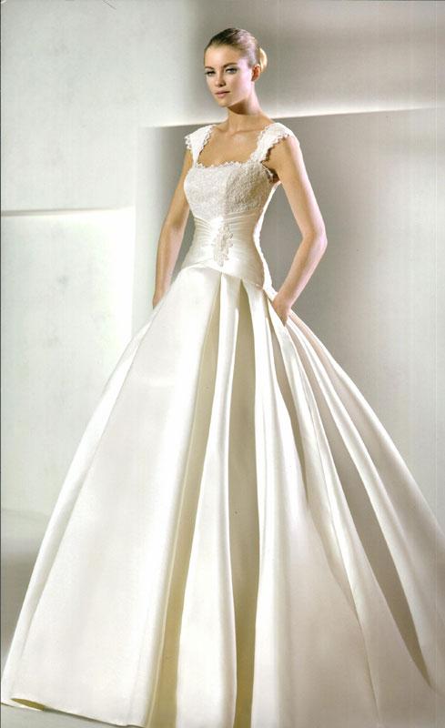 У нас в салоне огромный выбор европейских свадебных платьев, гарантировано европейского качества. Плюс доступные цены